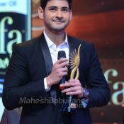 maheshbabu-at-iifa-utsavam-photos (26)